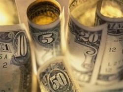 Что будет, если курс доллара опустится ниже 8000 рублей