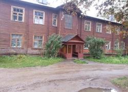 Как живется людям в последних бараках Минска