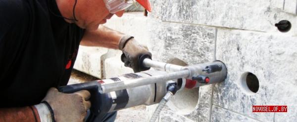 Как сделать отверстие в стене из газосиликатных блоков